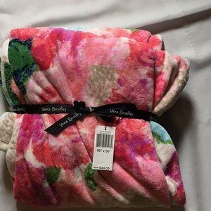 NWT Vera Bradley superbloom throw blanket